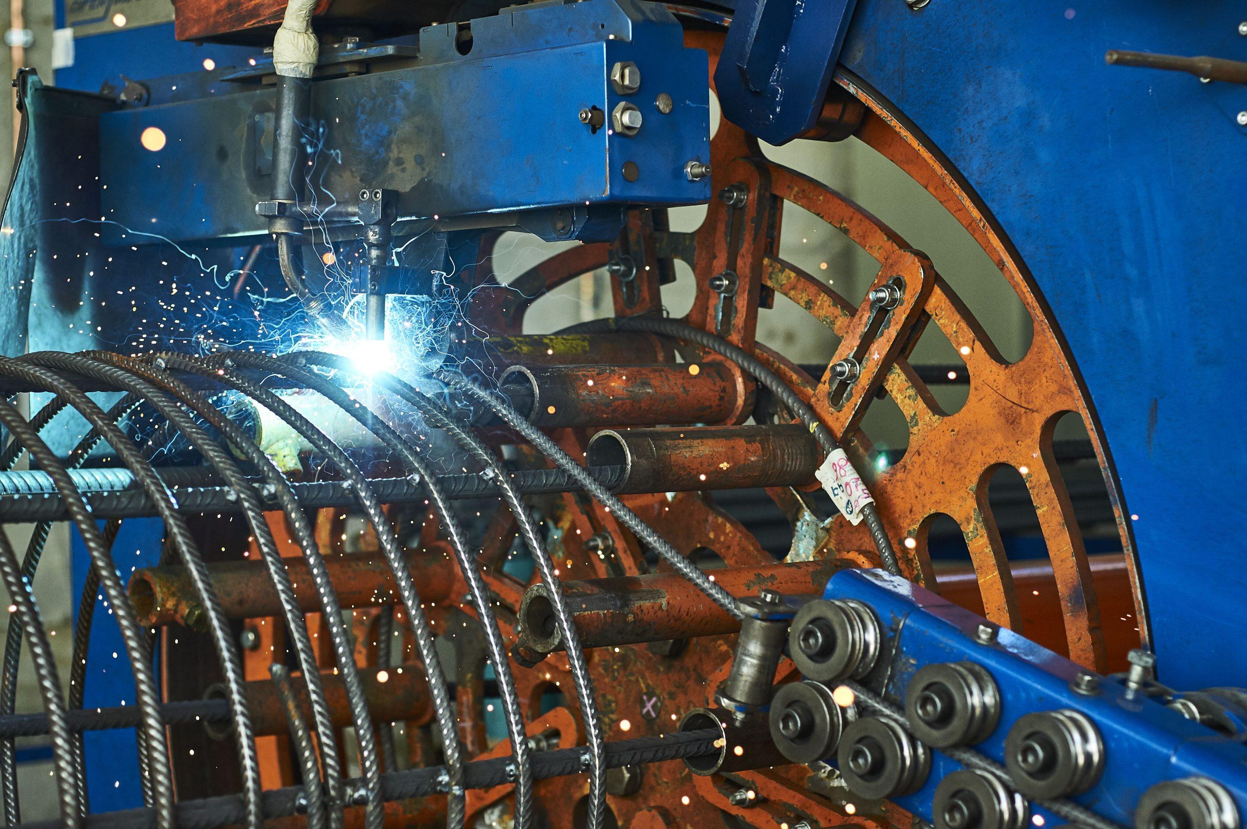 MACHINE DIFER PILEMASTER POUR LA FABRICATION DE PIEUX DE FONDATION BB 1